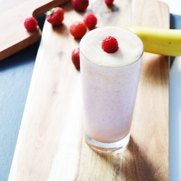 Strawberry banana smoothie combined with Pina Colada smoothie will give you the taste of summer. It is a light and easy smoothie , which only takes a few minutes to make.