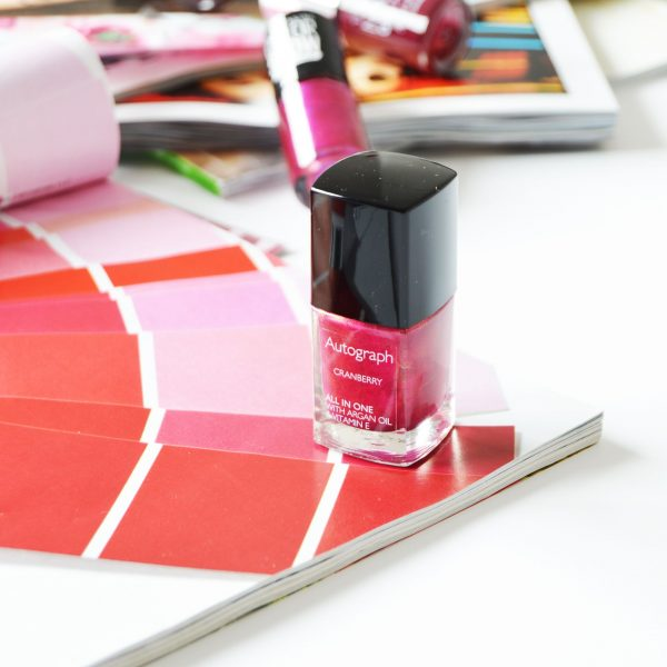 Autograph All in One Nail Polish in Cranberry is a pretty berry shade with micro sparkles in it. It has Argan oil and Vitamin E in it and also the wider brush makes the application easier and strike-free.