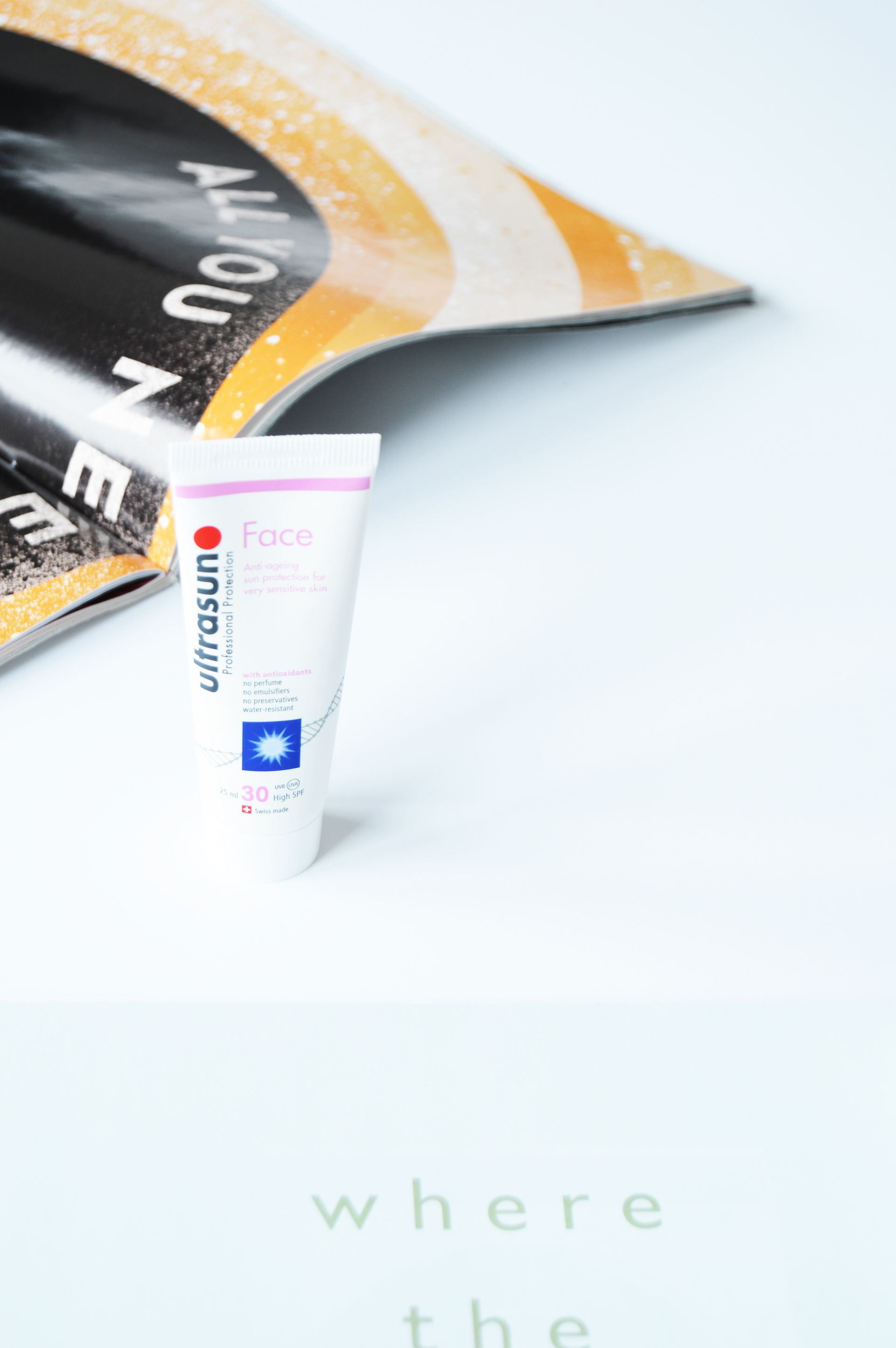 Ultrasun Anti-Ageing Sun Cream for Sensitive Skin SPF30 is a multi-purpose product which won't only keep your skin safe from the damaging effects of the sun rays and also fight against anti-aging with the active anti-aging ingredients.