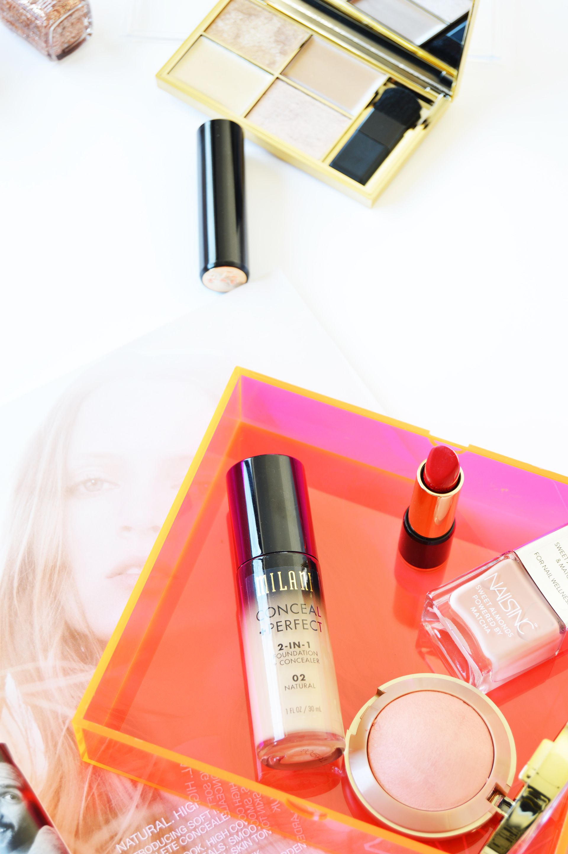 Makeup trends change a lot and one of the main influencers is the fashion week. To find out more about the fashion week inspired makeup trends for spring 2017 check out the post.