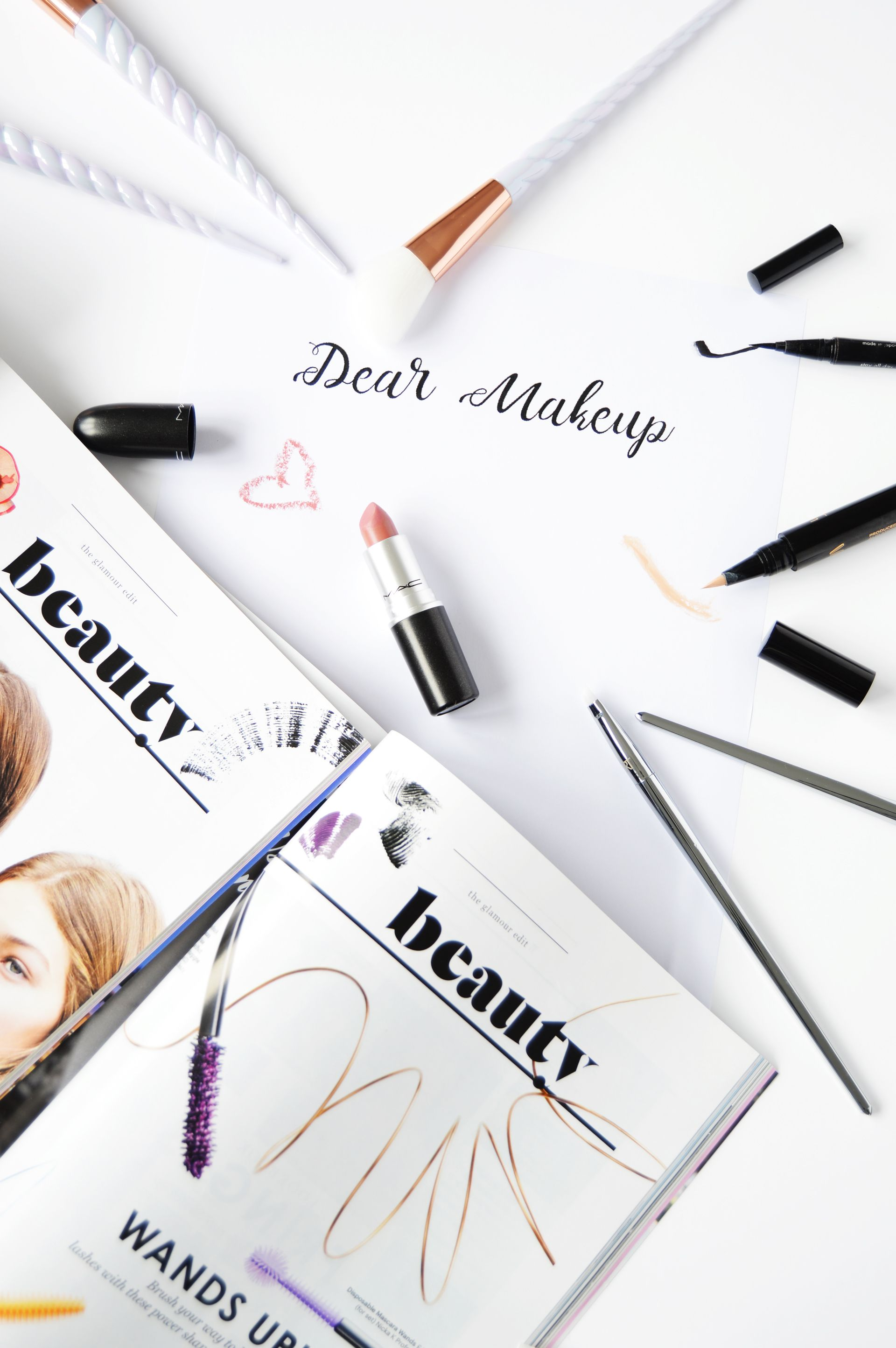 Do you remember when was the first time you fell in love with makeup? Was it as you were watching your mum putting her makeup on? Let's Talk First Makeup Love and share our stories!