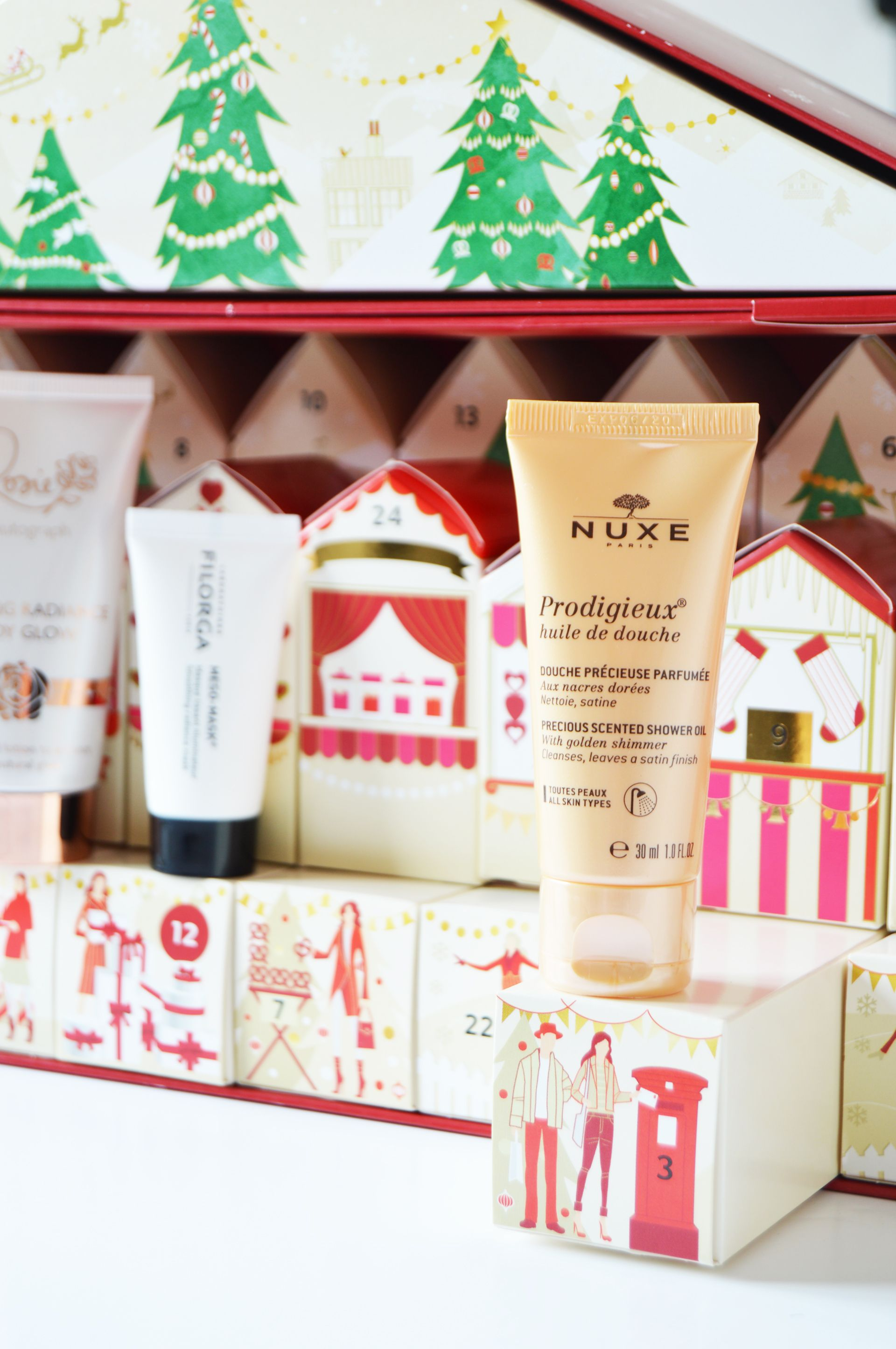 Nuxe Prodigieux Shower Oil gently cleanses the body and leaves a satin finish with a divine fragrance. M&S Advent Calendar
