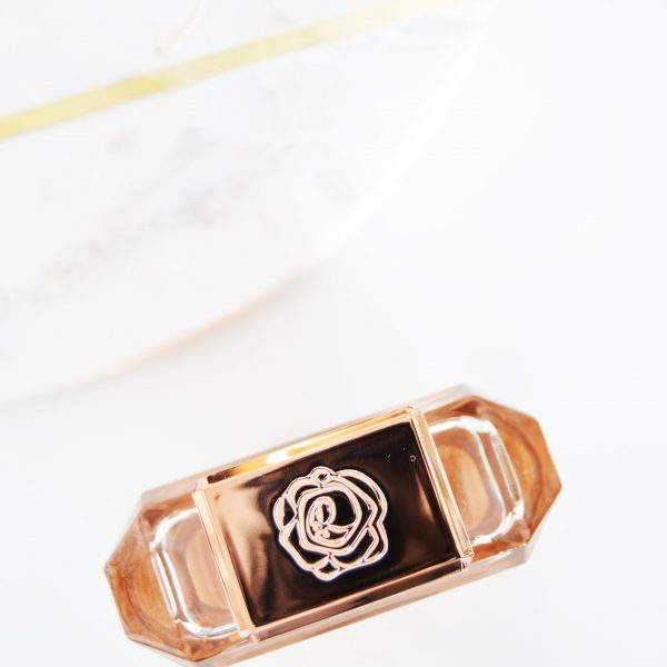 "Rosie for Autograph Rose Gold is described as ""Elegant, airy bergamot and soft spices are wrapped in smooth, floral bouquet notes..."" and it smells as good as it's described. It is elegant, it is soft and it is refreshing. 