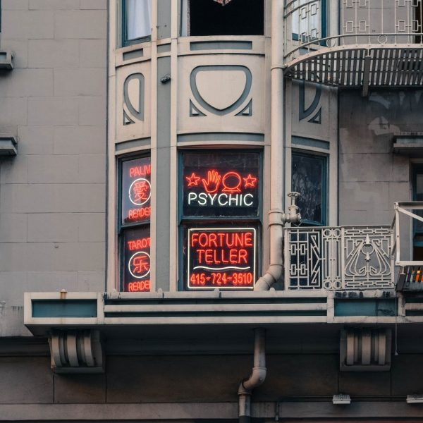 5 Things To Consider Before Going For Your First Psychic Reading